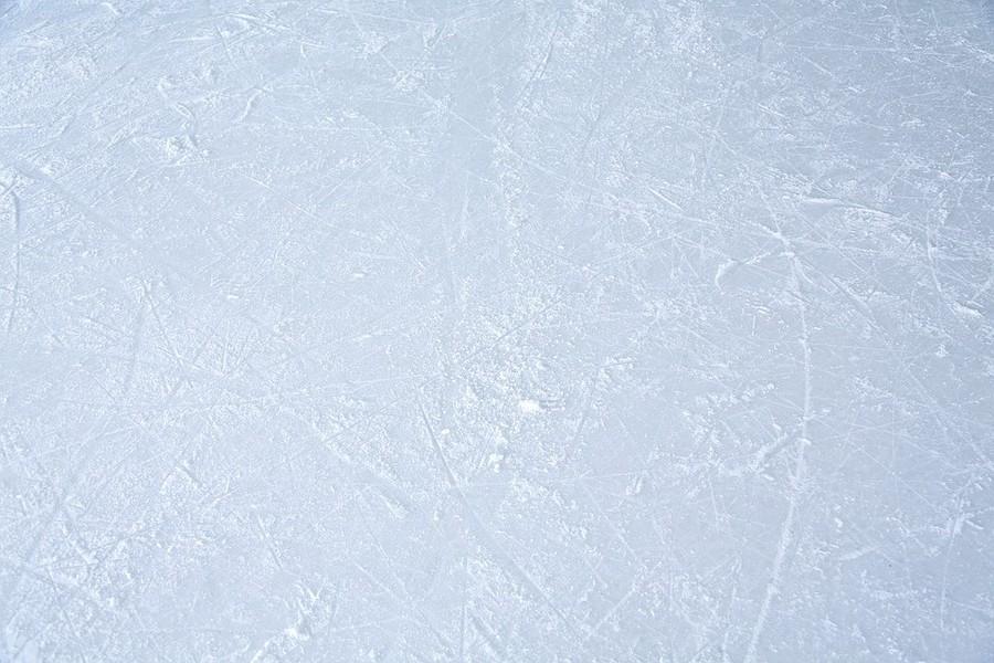Glace d'une patinoire